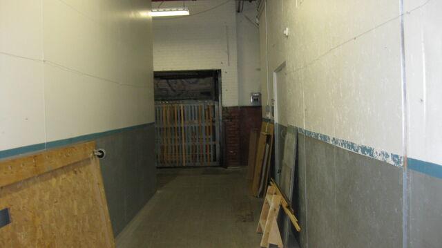 File:Elevator Hallway.JPG