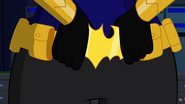 Batgirl DCSHG squeezing her Belt