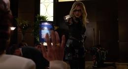 Green Arrow gibt Evelyn eine letzte Chance