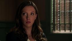 Laurel reagiert während dem Lügendetektortest