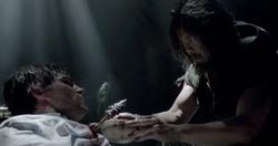 Yao Fei behandelt Oliver Queen