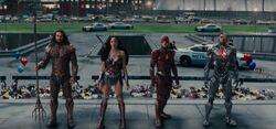 A Liga de frente com Superman