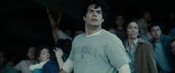Clark Kent junto com as pessoas