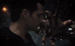 Superman esquiva do soco do Lobo da Estepe