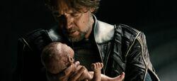 Jor-El e o recém-nascido Kal-El