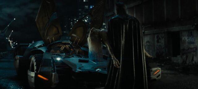 File:Batman carries Harley.jpg