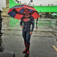 BvS-BTS - Henry Cavill on set-2