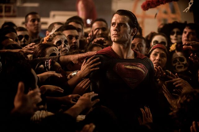 File:Superman amongst Day of the Dead celebrations.jpg