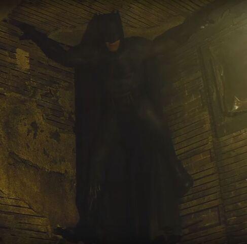 File:Batman hides in the ceiling corner of Cesar Santos' house.jpg