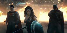 BVS - WW-Batman-Superman fight Doomsday