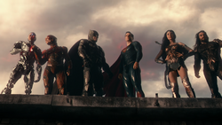 Justice League (2017) team on rooftop
