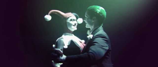 File:Harley and Joker dancing.jpg