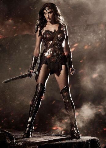 File:Wonder Woman first look promo.jpg