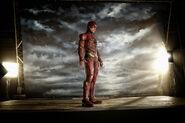 SZJL-BTS - EzraMiller-Flash on set