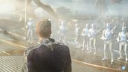 Aquaman - Men of War surrounds Orm
