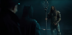 Justice League - Aquaman meets Batman in suit