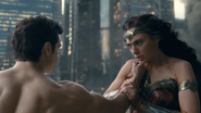 Justice League (2017) Superman fights Wonder Woman