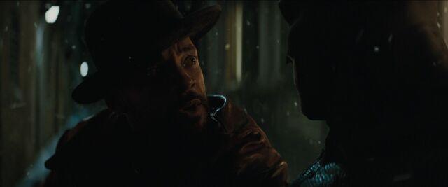 File:Batman confronts Deadshot.jpg