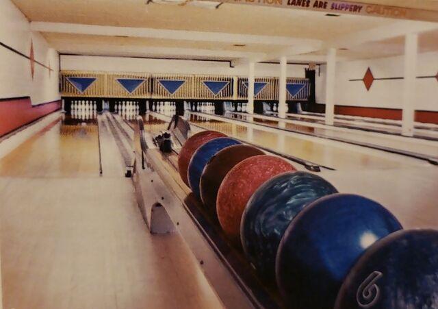 File:Kenmore Bowling Alley.jpg