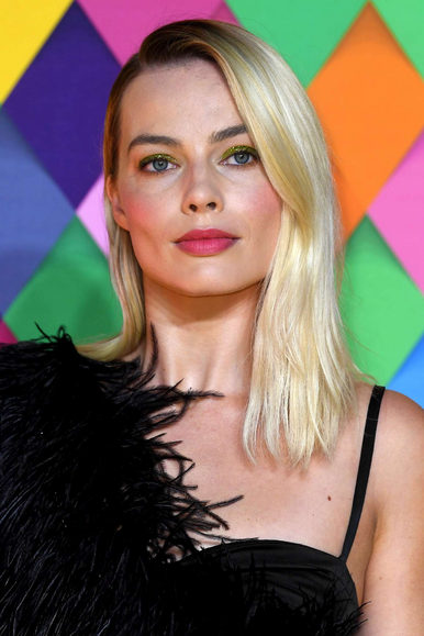 File:Margot Robbie.png