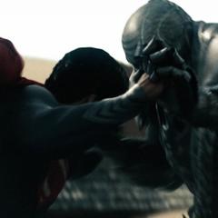 Clark confrontando a Nam-Ek.