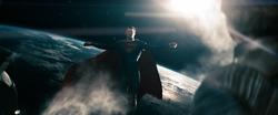Jor-El observa a Superman volando en el espacio
