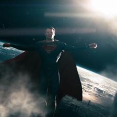 Clark escapando de la nave.