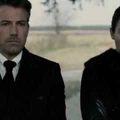 Bruce antes de decirle su plan a Diana.