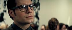 Clark mirando a Bruce Wayne