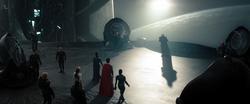 Kal-El y Faora delante de Zod