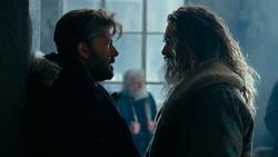 Bruce habla con Arthur