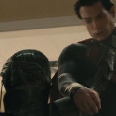 Clark confrontando a Faora.