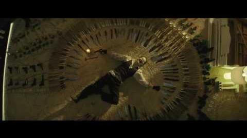 """ESCUADRÓN SUICIDA - Malo es mejor 15"""" (Doblado) - Oficial Warner Bros"""