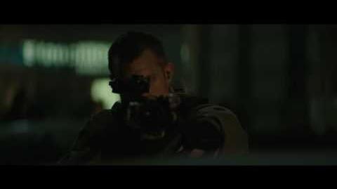 """Escuadrón Suicida - Clip """"¿Por qué tienen ese aspecto?"""" Castellano HD"""