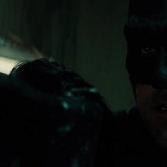 Batman es amenazado por Anatoli.