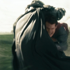 Clark confrontando al General Zod.