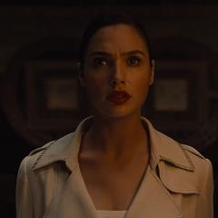 Diana investiga sobre Darkseid.
