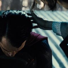 Superman es amenazado por Lex.