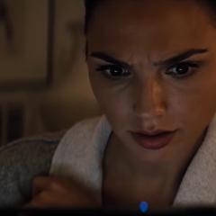 Diana reaccionando a los vídeos de Metahumanos.