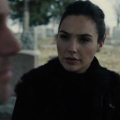 Diana le pregunta a Bruce sobre los metahumanos.