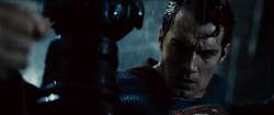 Superman subestima a Batman