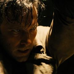 Bruce Wayne a punto de ser asesinado por Superman.
