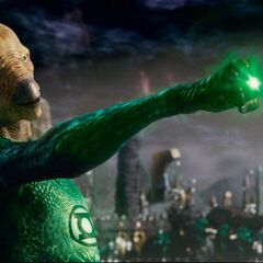 Tomar-Re showing Hal the power of the ring.