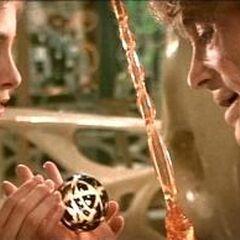 Zaltar shows Kara the Omegahedron.