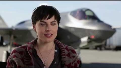Man Of Steel - Antje Traue Interview - YouTube