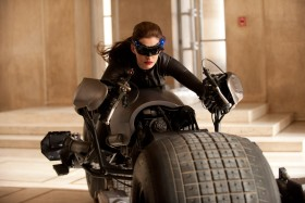 280px-Hathaway Catwoman