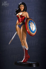 StatueWonderWoman