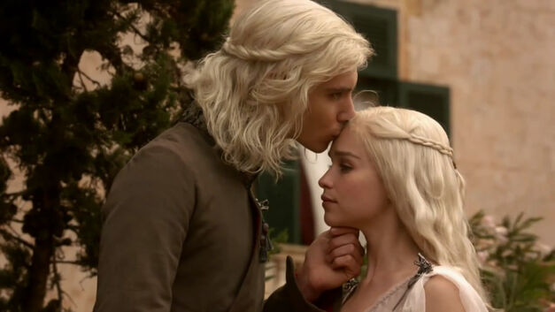 Game of Thrones_Daenerys and Viserys