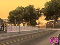 Front-Yard-Ballas 069