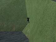 Polizist-fällt-ins-Wasser-in-Easter-Basin